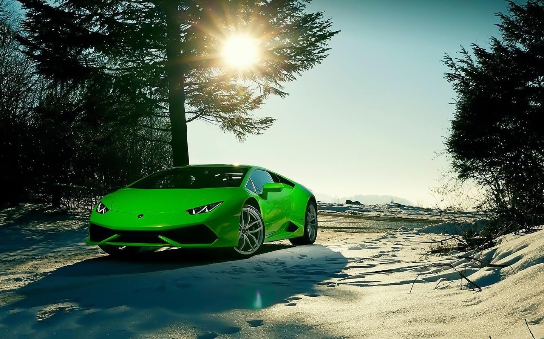 Wonderful Raw Green Lamborghini Car In The Snow