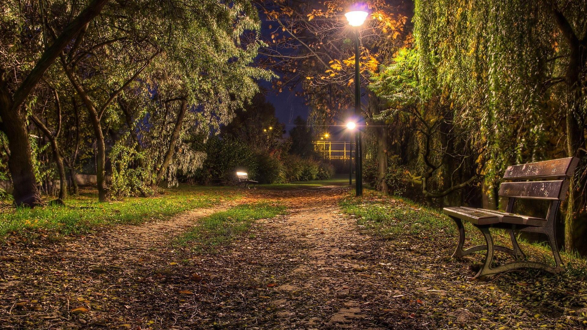 nighttime halloween games
