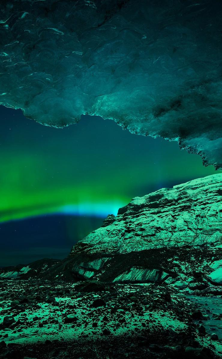 beautiful aurora boreala on the sky wallpaper download 740x1196