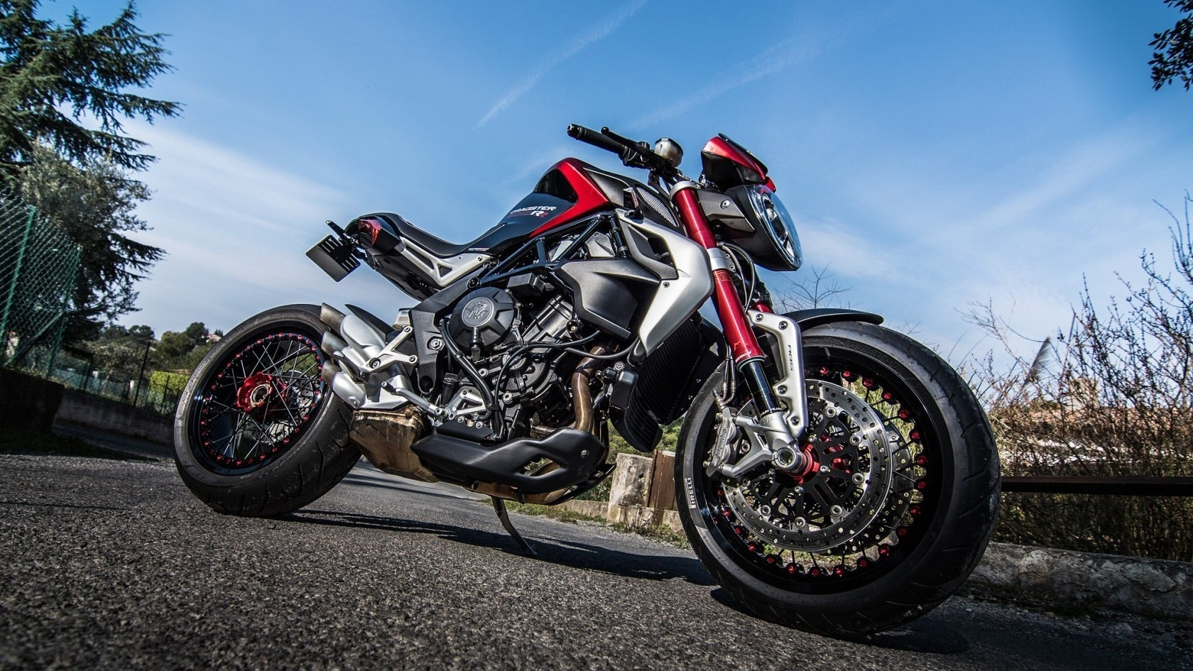 Luxury Motorcycle Hd Wallpapers: Honda Sport Motorcycle Wallpaper