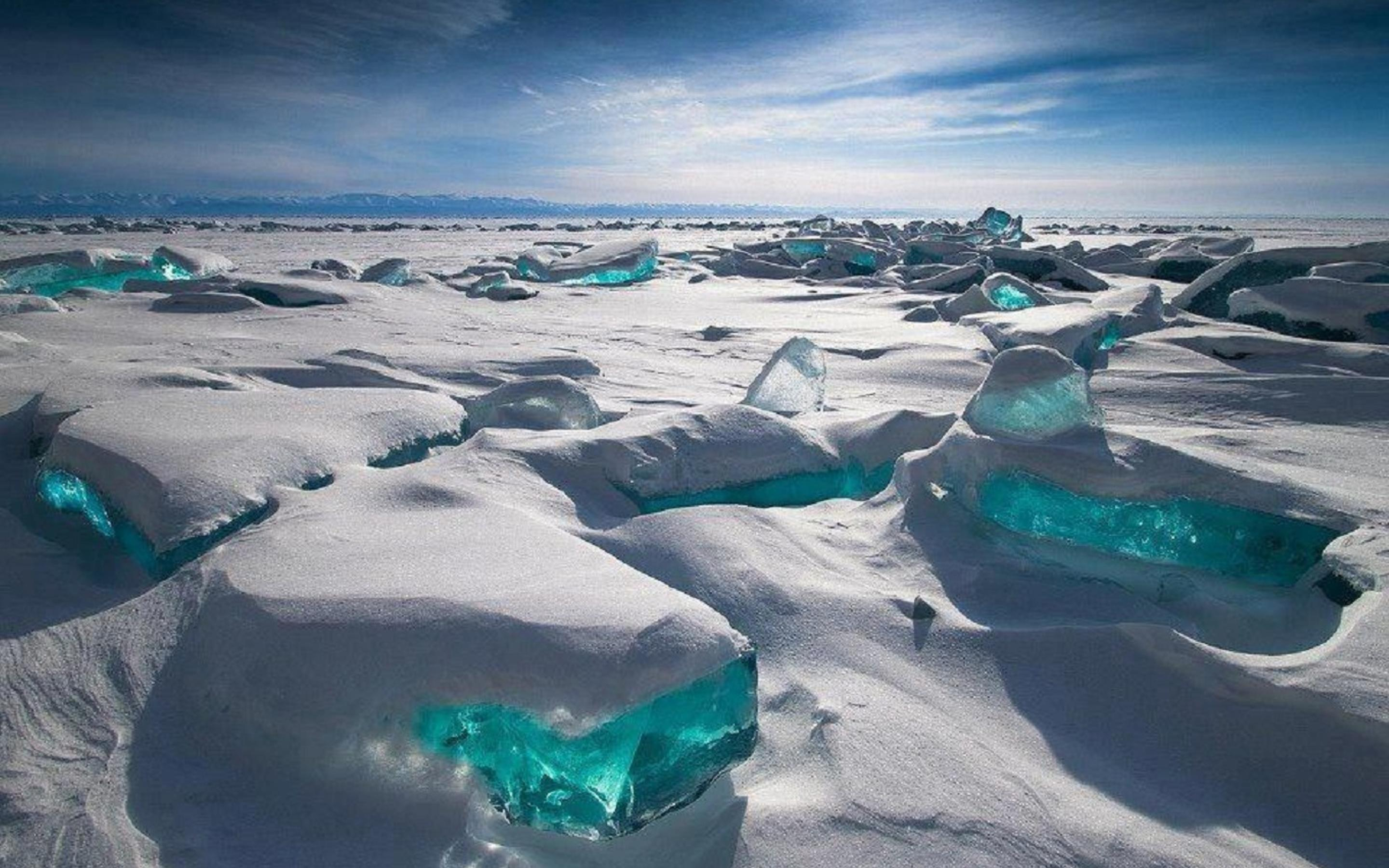 Ice And Snow On The Baikal Lake Wallpaper Download 2880x1800