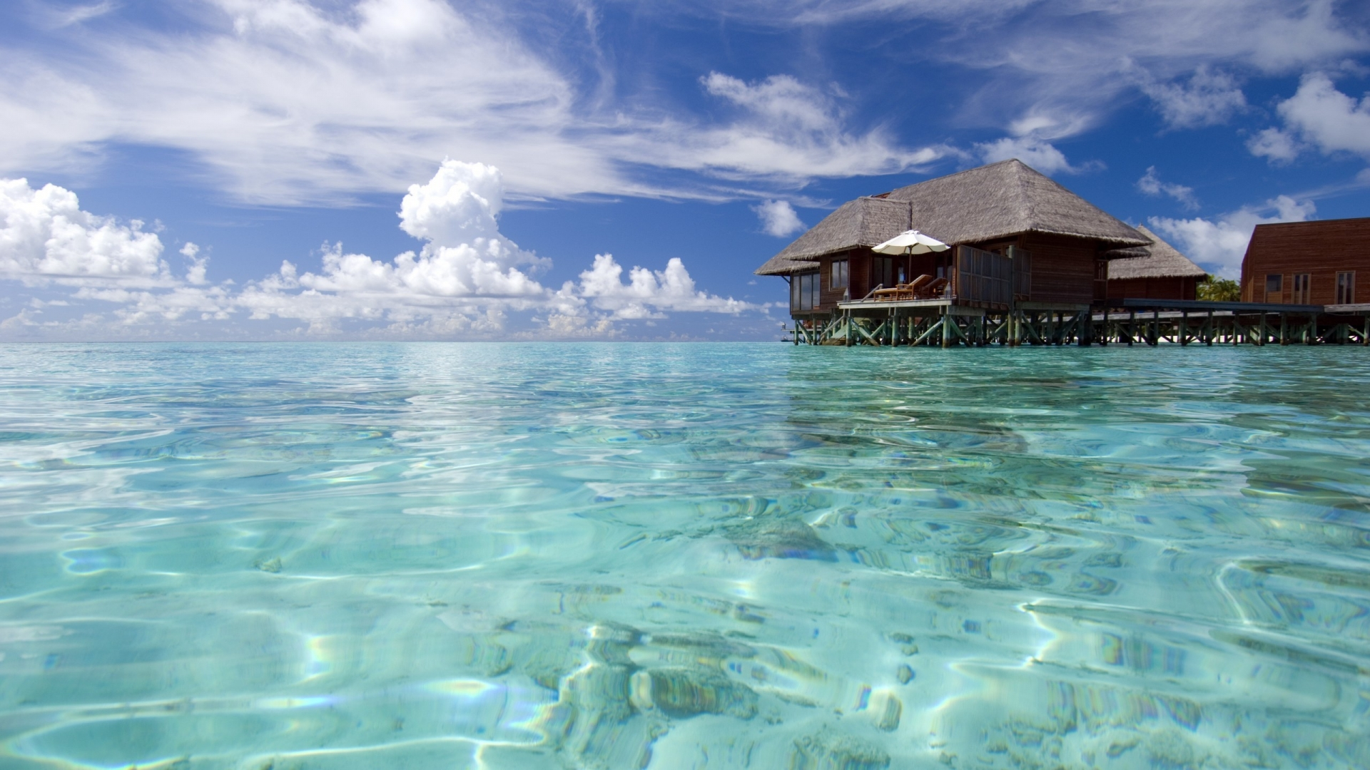 luxury maldives resort clean water in sea