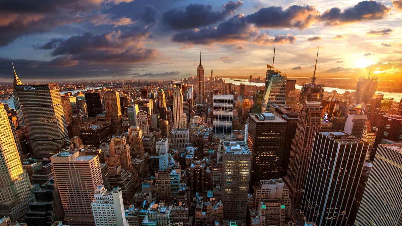 Download Wallpaper 1366x768 New York City Seen From The Rockefeller Center