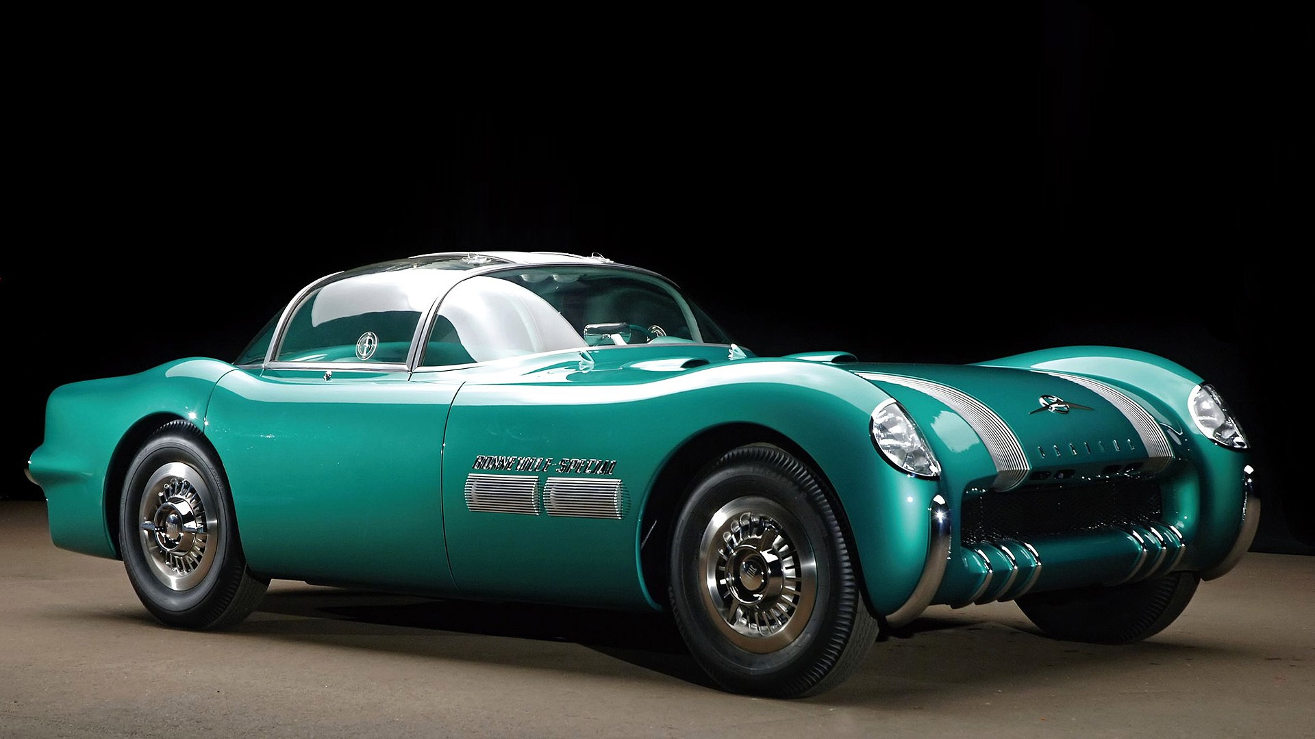 Old classic car - beautiful turquoise color Wallpaper Download 1920x1080