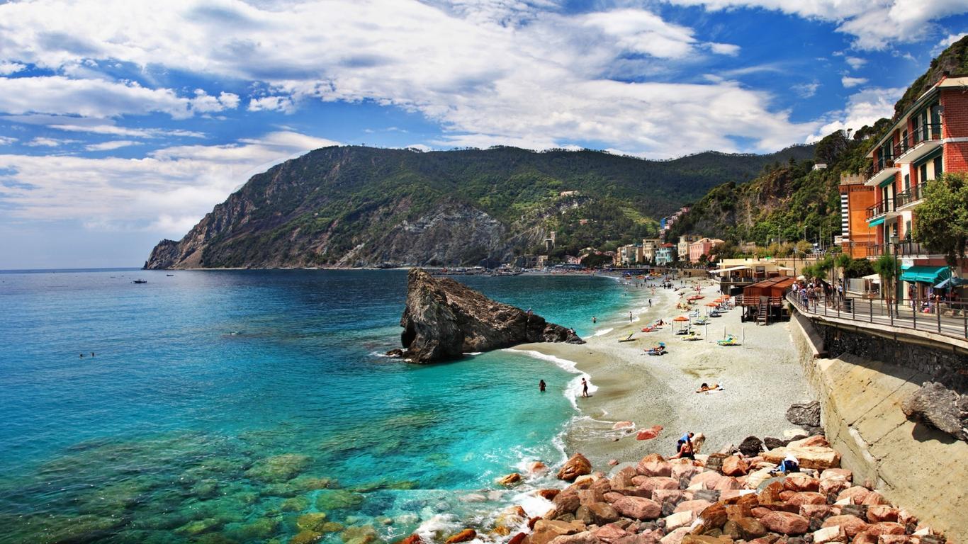 Sea Monterosso Italy Beautiful Beach Wallpaper Download 1366x768
