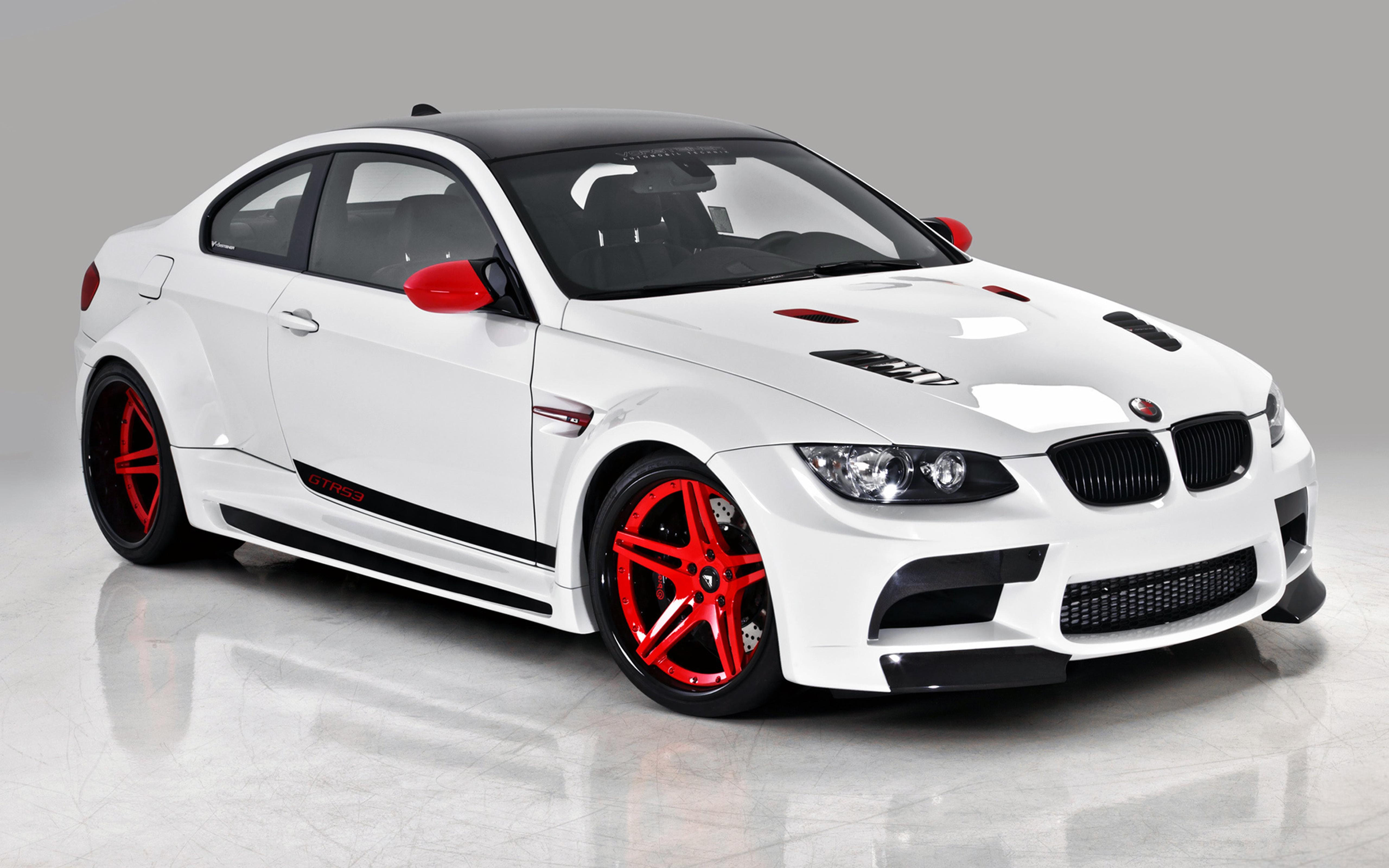 White And Red BMW M3 Coupe E92 Wallpaper Download 5120x3200
