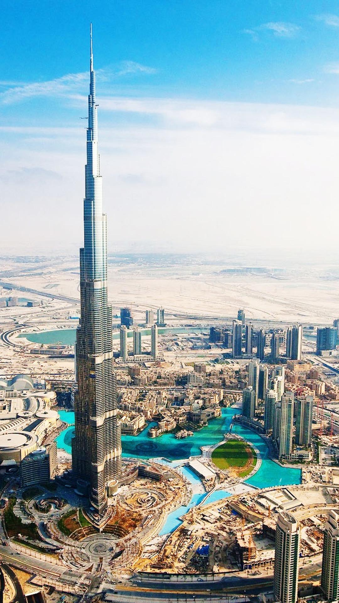 Wonderful Architecture At Burj Khalifa City From Dubai