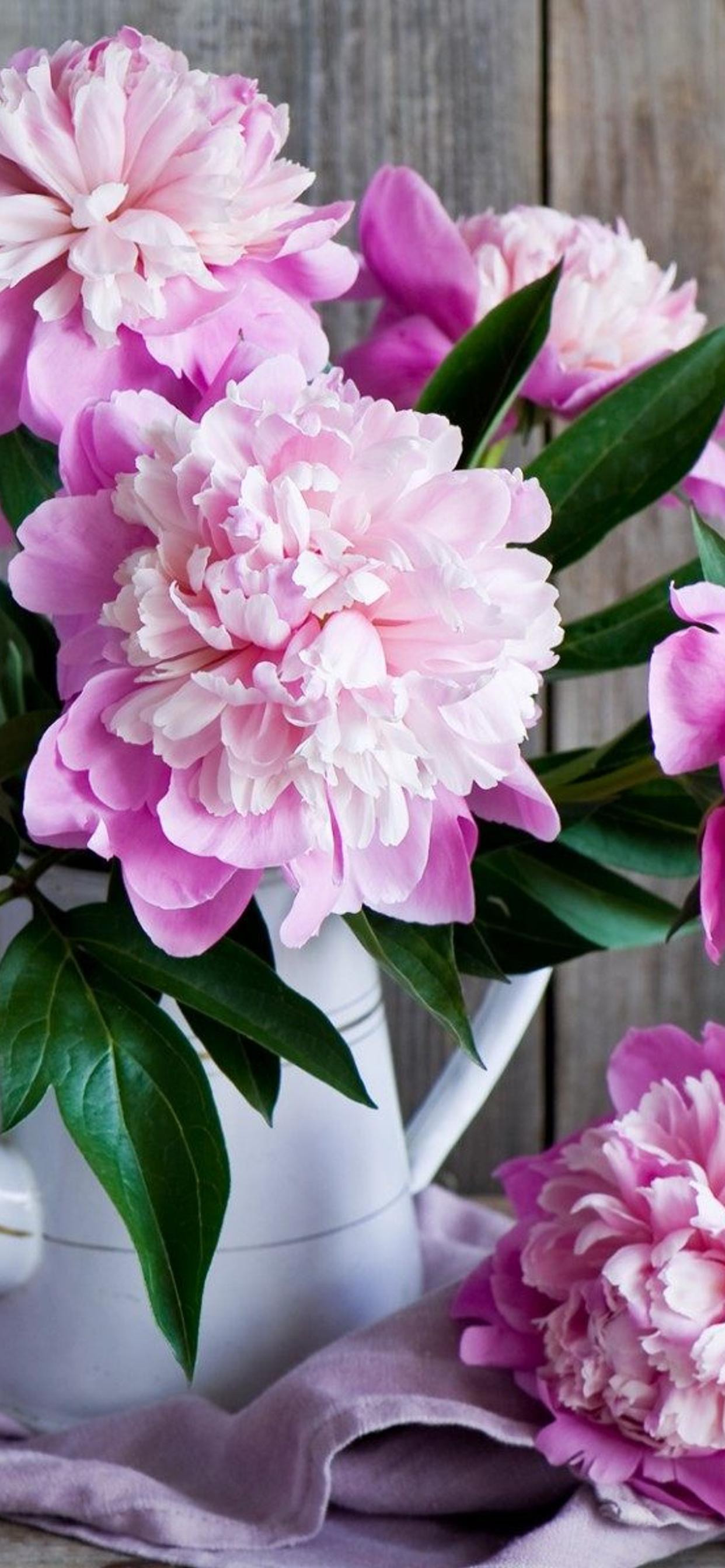 Wonderful Pink Flowers Vintage Objects On A Wallpaper