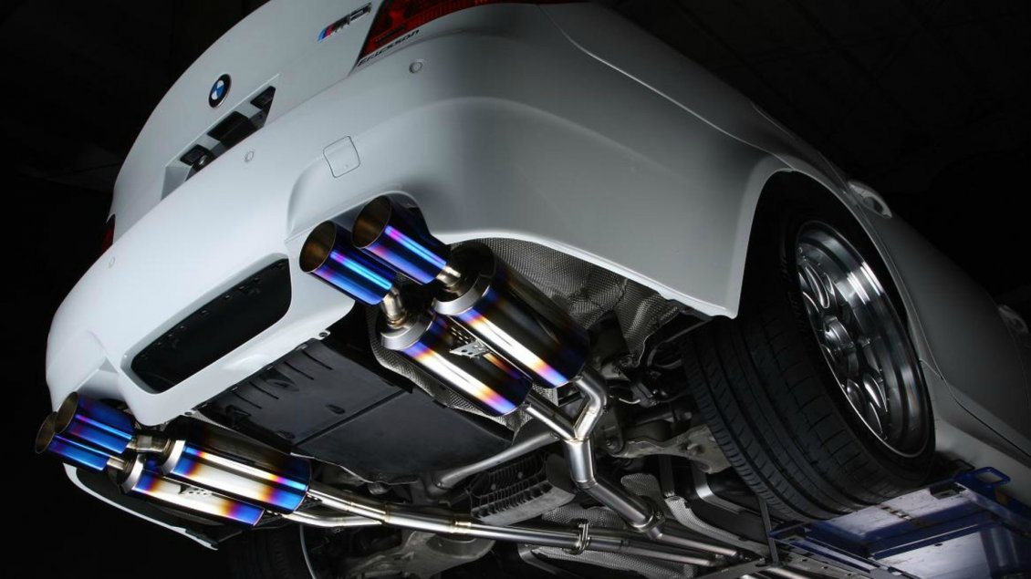 BMW M5 exhaust pipes