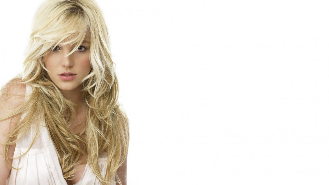 Download Wallpaper Britney Spears an American singer and actress in white