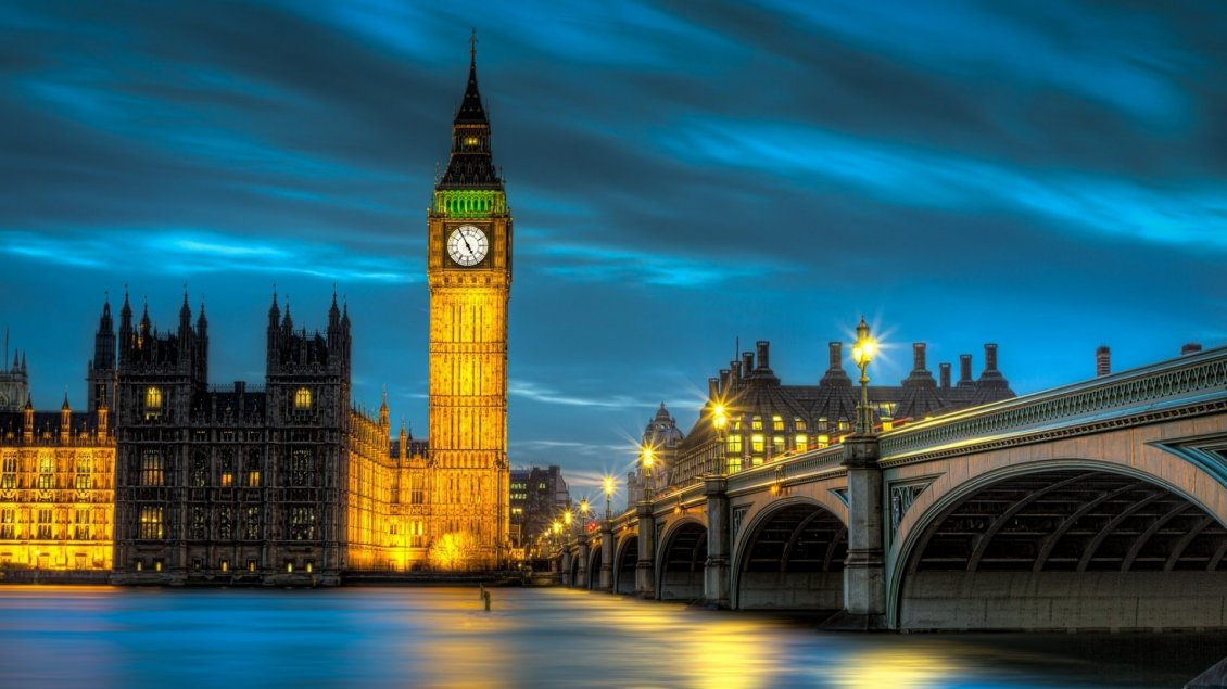 Download Wallpaper Amazing Palace of Westminster lighted in night