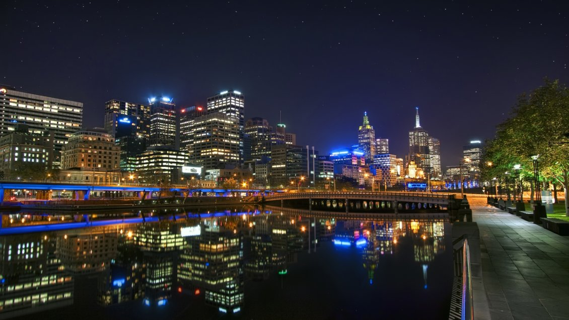 Download Wallpaper Melbourne city lighted in night - Beautiful landscape
