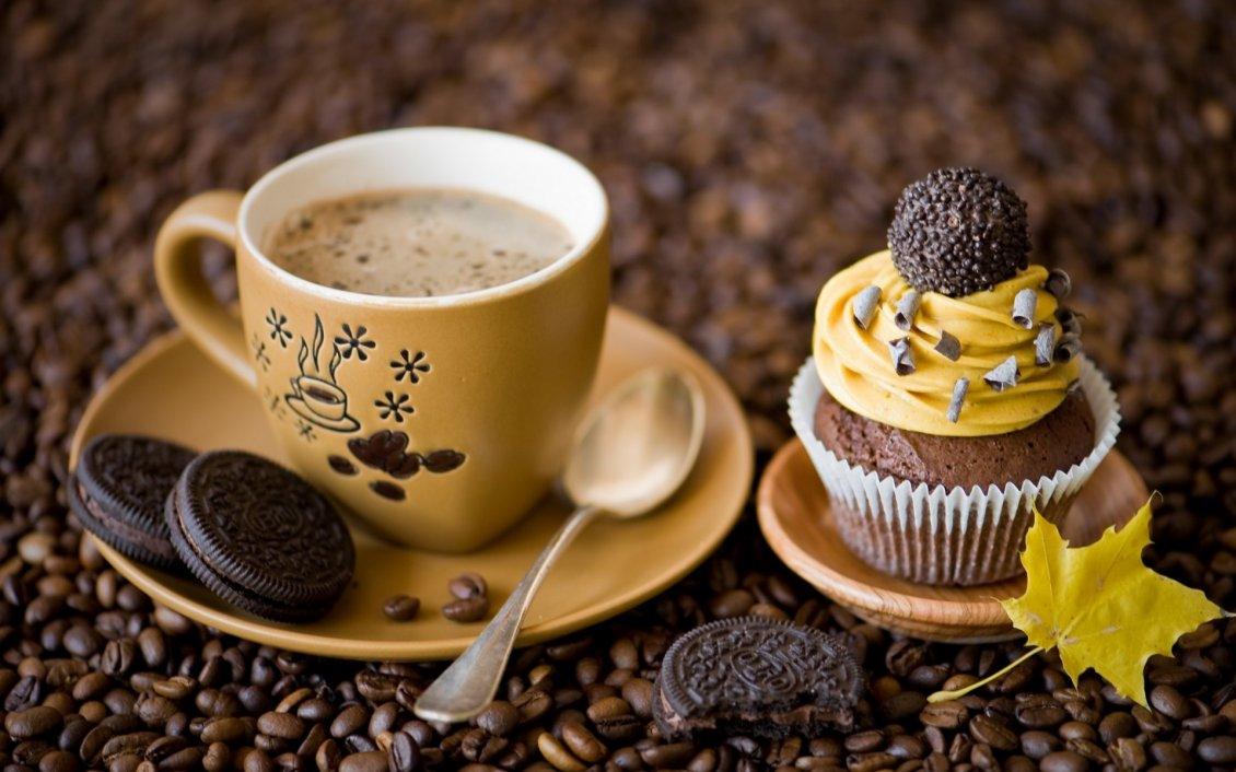 Download Wallpaper Delicious coffee and sweet dessert with Oreo biscuits