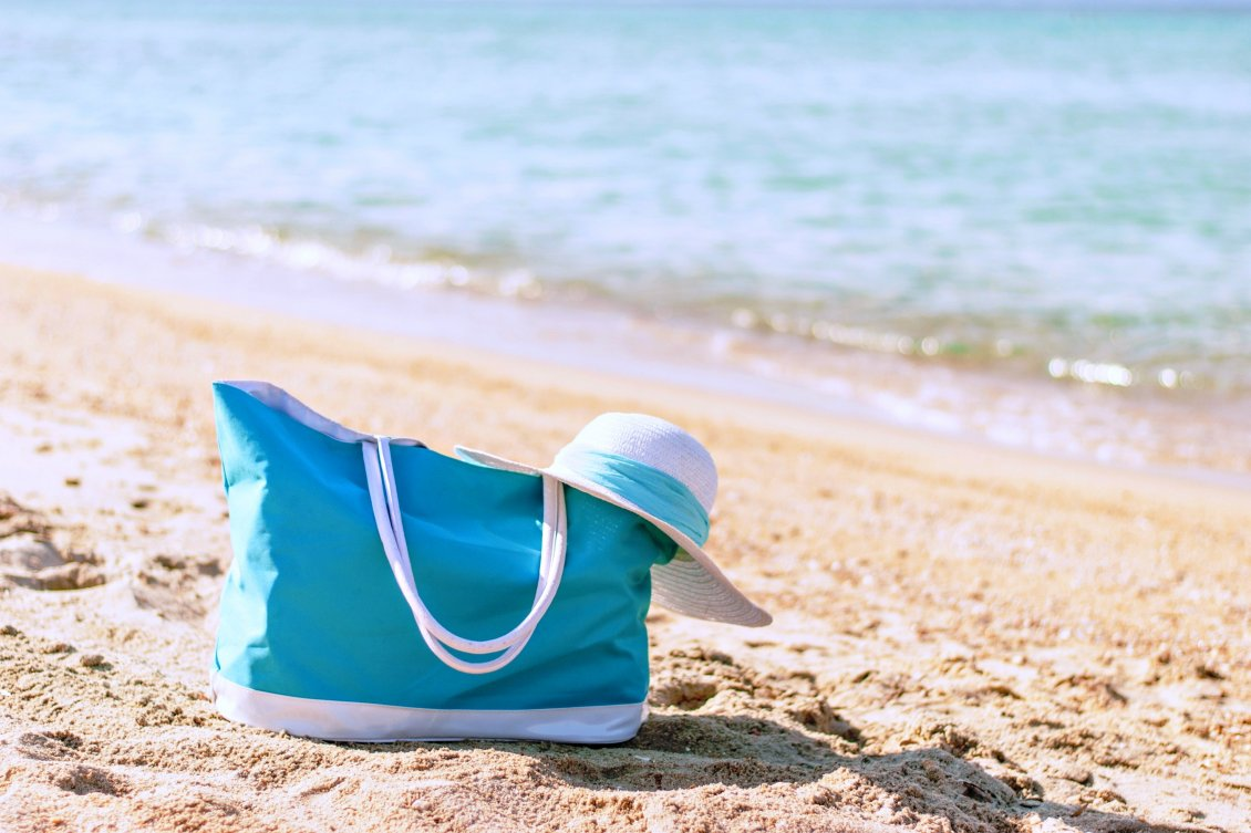 Download Wallpaper Blue bag - Happy weekend at the beach