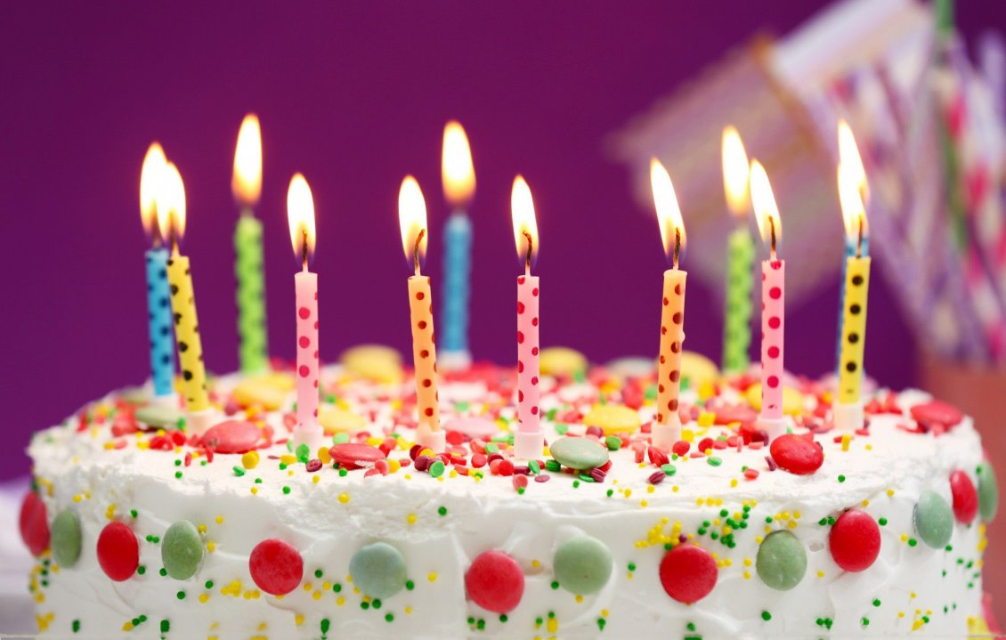 Download Wallpaper Happy Birthday - Delicious cake full with candies