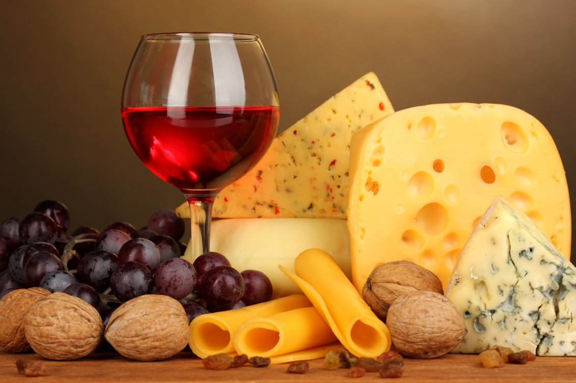 Download Wallpaper Cheese mix and a glass of red wine - Autumn season food