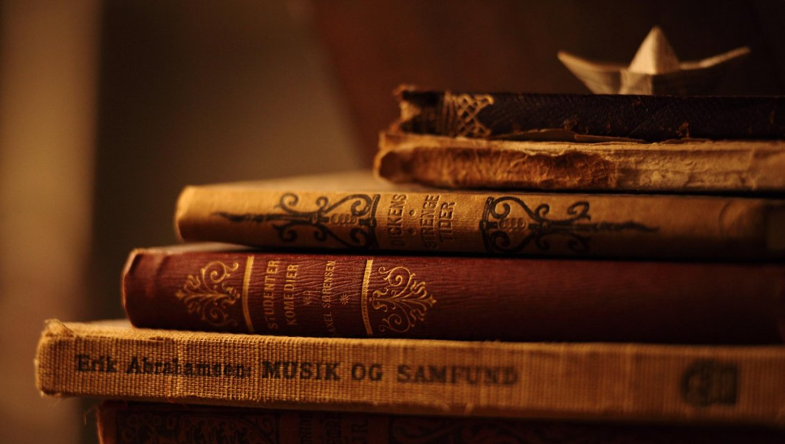 Download Wallpaper The humanity treasure - Old books