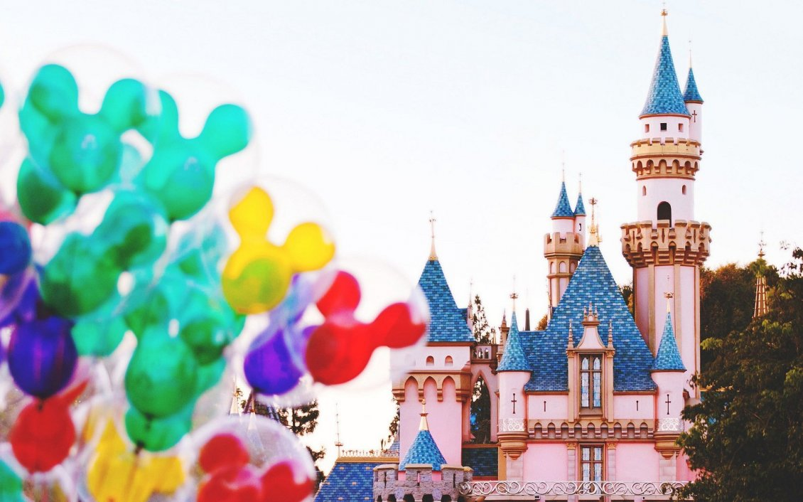 Download Wallpaper Colorfull balloons with Mickey Mouse on Disneyland Paris