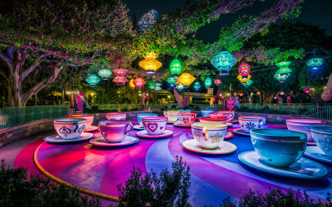 Download Wallpaper Artistic and magic world on Disneyland Paris -Colorfull cups