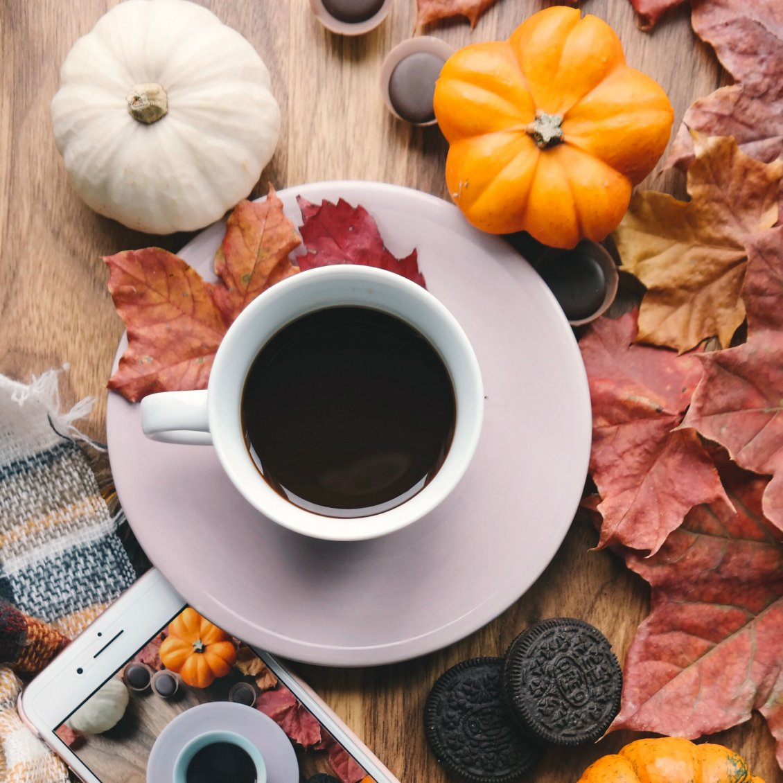 Download Wallpaper Dark coffee for Autumn photo - biscuits and pumpkins