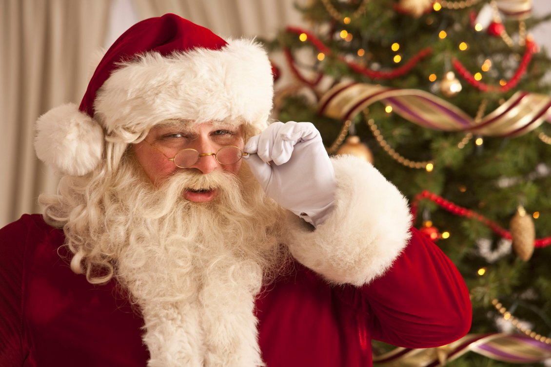 Download Wallpaper True Santa Claus is watching at you - Be good kid