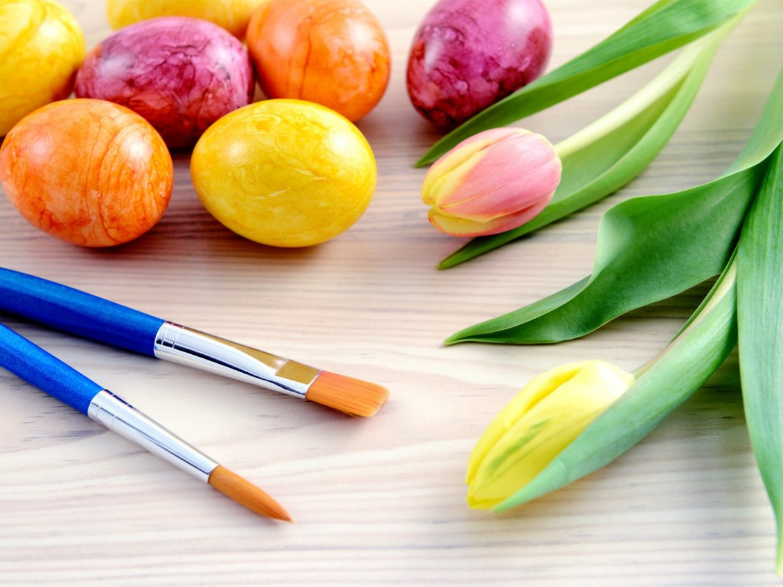 Download Wallpaper Wonderful colors on Easter eggs - Tulips flowers