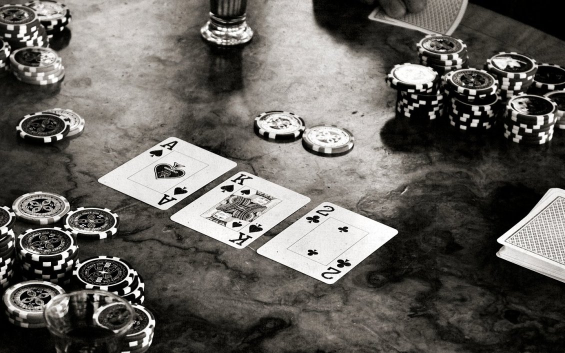 Download Wallpaper Black and white poker game on the table - HD wallpaper