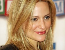 Aimee Mullins an American athlete and fashion model