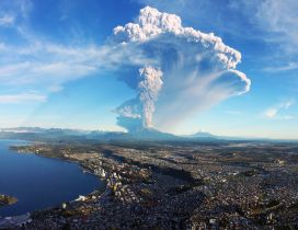 Volcano Calbuco has exploded with many ash