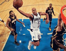 Richard Jefferson plays the basketball