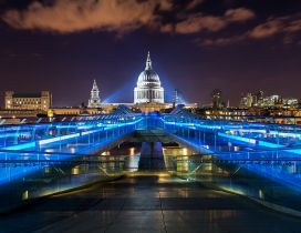 A beautiful night in London - Blue lights