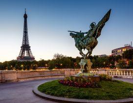 Reborn statue and Tower Eiffel from France