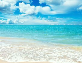 Perfect blue ocean water - Happy summer at seaside