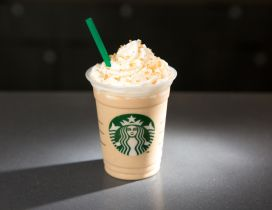 Delicious cream coffee from Starbucks - HD wallpaper