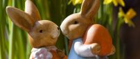 Sweet figurines of Easter rabbits and eggs - Happy Holiday