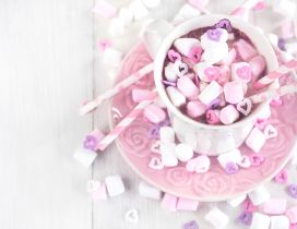 Sweet pink candies in a hot chocolate cup - HD wallpaper