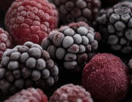 Macro wallpaper - Frozen berries good for a cake