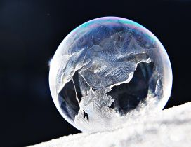 Frozen water bubble - Broken earth HD wallpaper