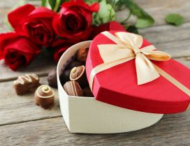 Romantic gift Valentines Day - Chocolate and rose