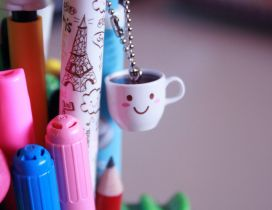 Cute small coffee cup and crayons - HD wallpaper