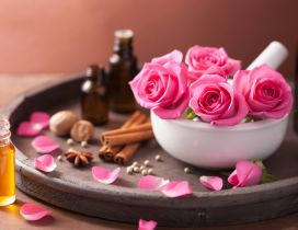 Rose essential oil - Wonderful flower perfume